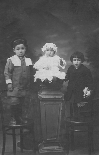 Old Family picture. ca 1916