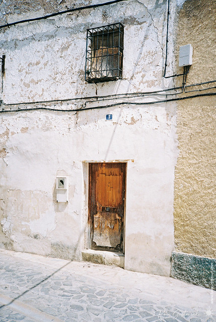 An abandoned house in Carchelejo