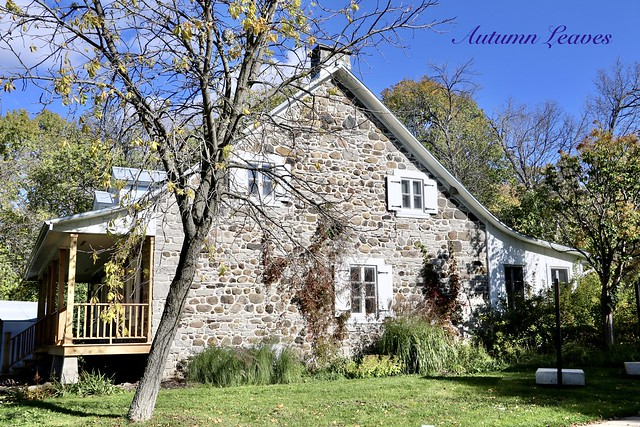THE AUTUMN AROUND a BEAUTIFUL ANCESTRAL STONE HOUSE in MONTREAL-NORTH ( Quebec ) CANADA