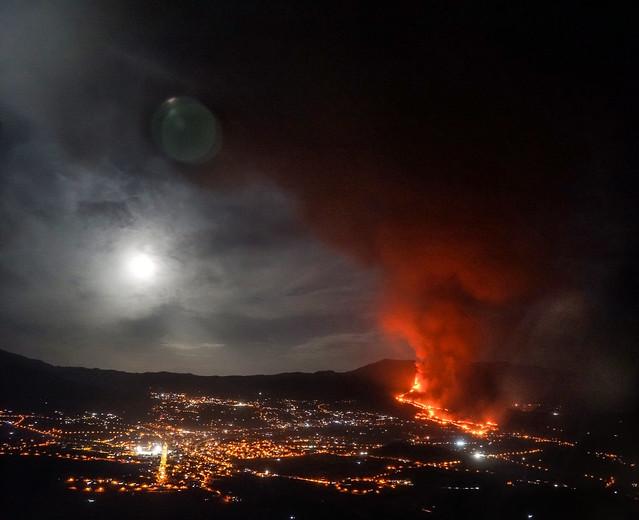 Erupción del volcán Cumbre Vieja - Mirador El Time (La Palma, Islas Canarias, España) - 19-10-2021 - 01