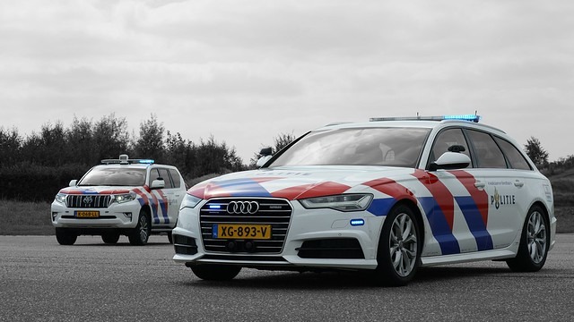 Politie Noord Nederland Team Verkeer Audi A6 Avant and Toyota Land Cruiser
