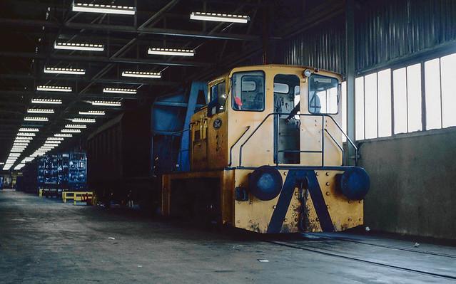0-4-0DH No.3 (YE 2679/1962) Halewood Car Plant. Merseyside. 1993.