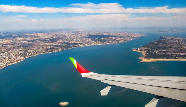 approaching lisbon airport