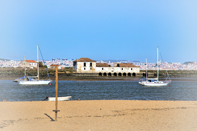 Seixal Bay with old Sea mill