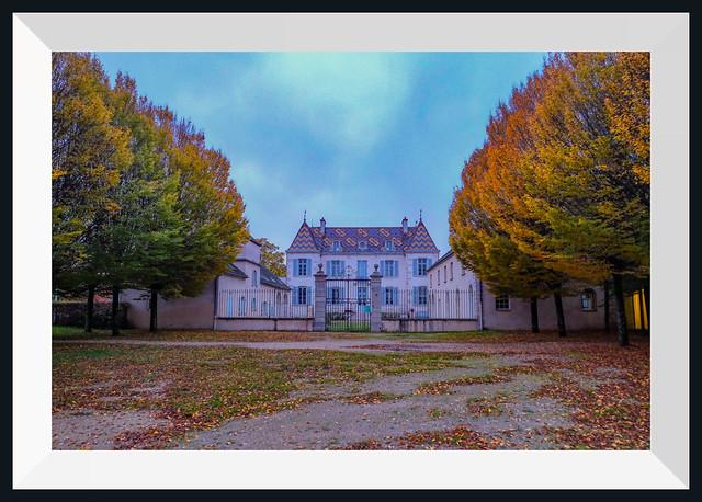 chateau de Quetigny en Automne