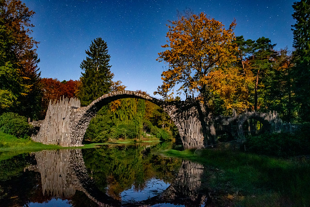 Rakotzbrücke im Mondschein