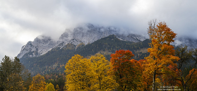 Autumn morning at Zugspitzmassiv