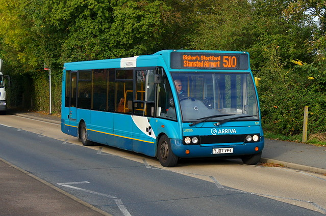 Shrunk: Arriva Harlow Optare Solo M920 YJ07VPY (1517) Church Road Stansted Mountfitchet 26/10/21