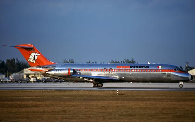 Aeromexico Douglas DC-9 XA-DEO