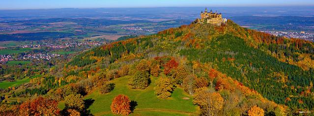 Herbst-Panorama der Burg Hohenzollern