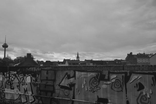 Blick vom Bf. Köln-Ehrenfeld an einem bewölkten Tag (141FJAKA_7099)