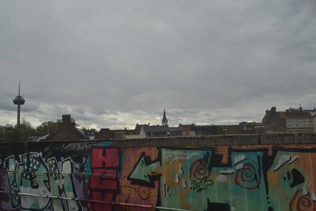 Blick vom Bf. Köln-Ehrenfeld an einem bewölkten Tag (141FJAKA_7098)