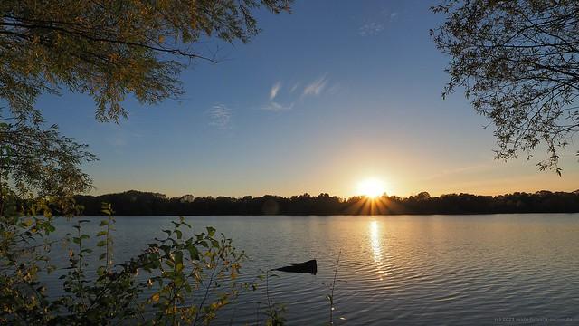 Sonnenuntergang am Uettelsheimer See