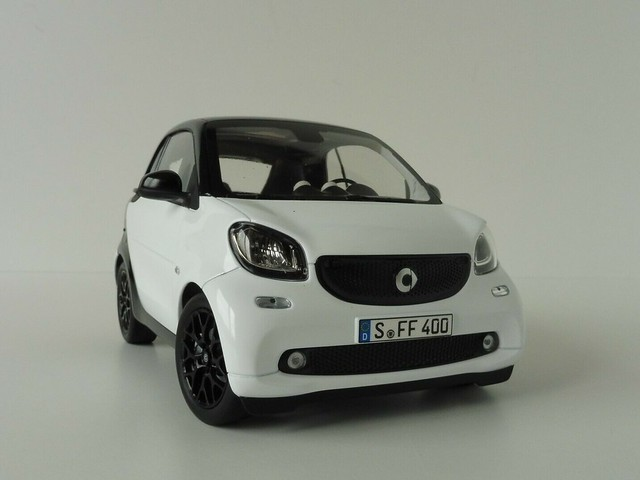 NOREV 1/18 SMART FORTWO BLACK AND WHITE 1:18