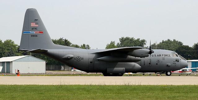 Lockheed C-130H 89-9106 KOSH