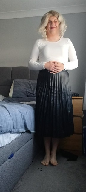 White, Black and pleated 27/10/21