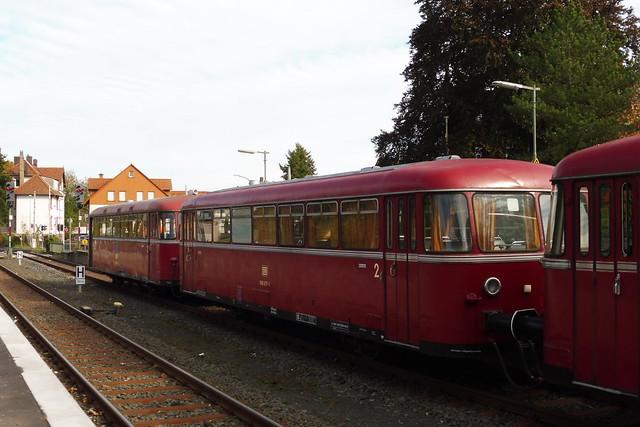 2021-10-28 Schienenbus DB 996 677-1 rot