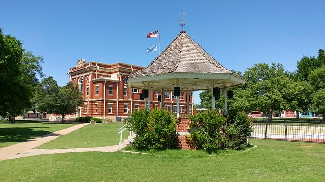 Gazebo and Kiowa County Courthouse, Hobart, OK