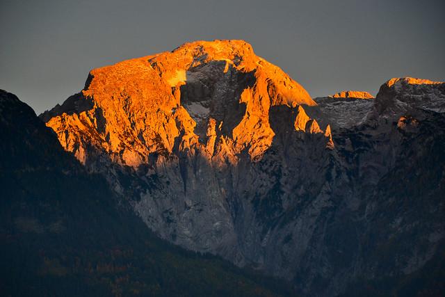 Hoher Göll (2522 m) in sunset alpenglow