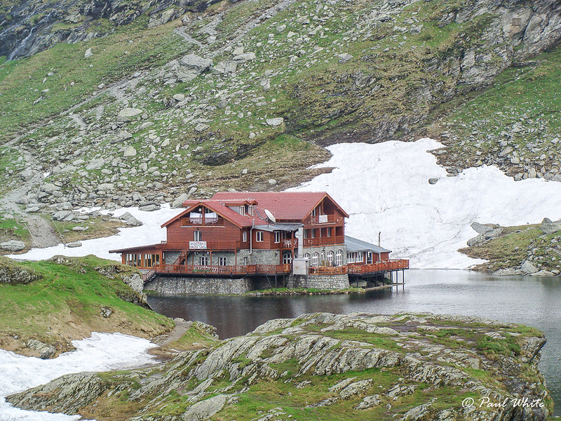 Restaurant & Lodge at Bilea (Balea) lake