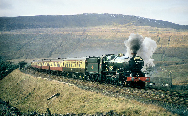 6024 'King Edward I' opens up after coming off the speed restriction over Ribblehead Viaduct on the 14th March 1998. This southbound run was less troubled than the northbound one the previous week, when 6024 had to stop several times for a 'blow-up'. The problem was said to be the wrong type of coal.