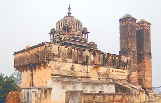 India, Orcha, a minor palace in decay