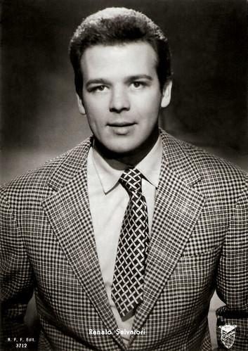 Renato Salvatori in Poveri Millionari (1959)