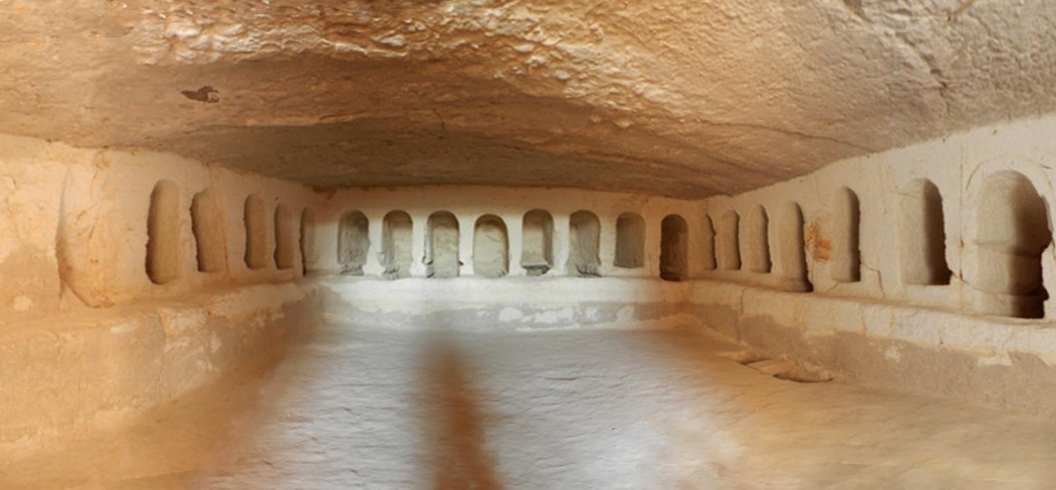 Avdat Israel interior cueva funeraria romana 04