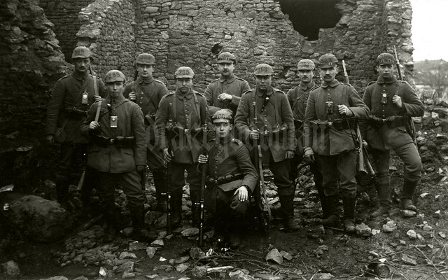 A section of men from Infanterie-Regiment Nr. 368 in the vicinity of Bois de Mort-Mare (Lorraine)