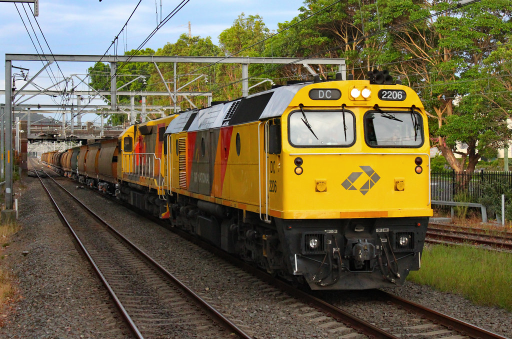 DC2206, LZ3101 3958 Thirroul by Thomas