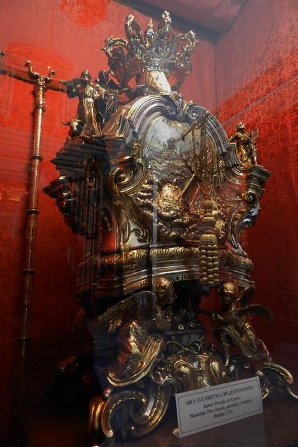 arca eucaristica del Jueves Santo tesoro museo de la Mezquita Catedral de Córdoba España 04