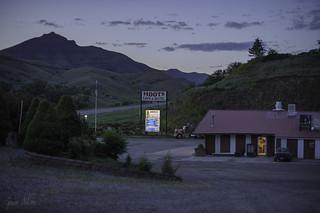 Hoots Café and Motel