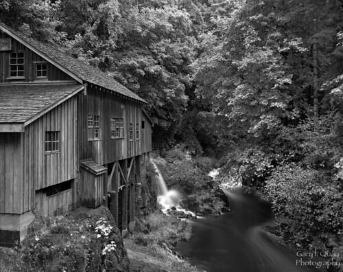 cedarcreek gristmill washington deardorff 8x10 hp5 510pyro gary quay garylquay foolscape foolscapeimagery mill grist cedar creek ilford largeformat filmphotography rural