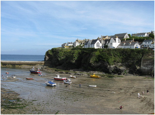 Port Isaac harbour from Roscarrock Hill