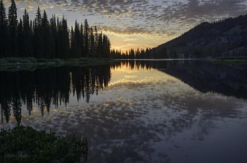 bigtrinitylake lake reflection sunrise idaho
