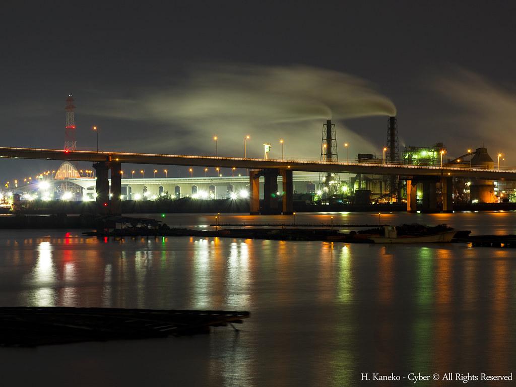 広島大橋と工場夜景 Hiroshima Big Bridge With The Plants