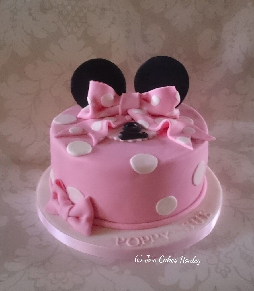 Fantastic Minnie Mouse Style 2Nd Birthday Cake White Rose Cake Design Flickr Funny Birthday Cards Online Alyptdamsfinfo