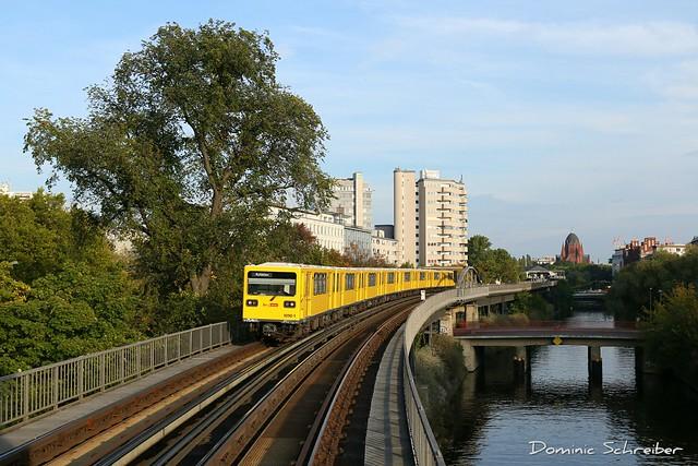 BVG 1090 U-Bhf Möckernbrücke, Berlin