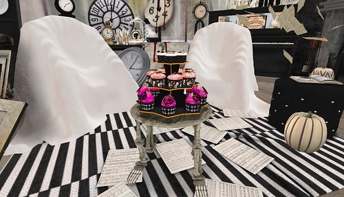 Finishing Touches_Cupcakes & Skeleton Table | by Hidden Gems in Second Life (Interior Designer)