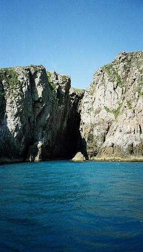 Uma caverna ao mar