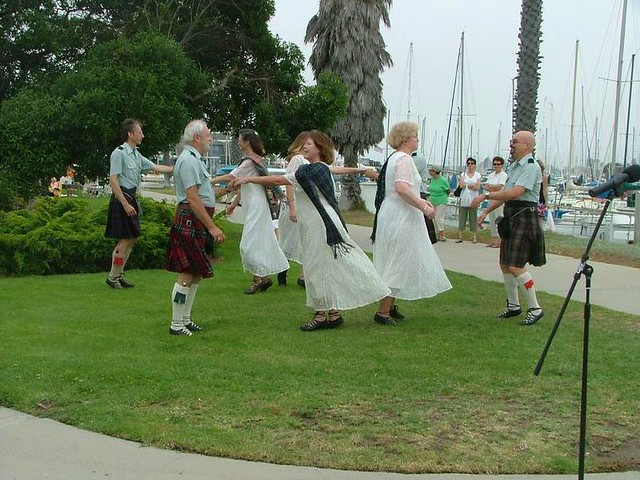 C_Scottish Country Dancers 105