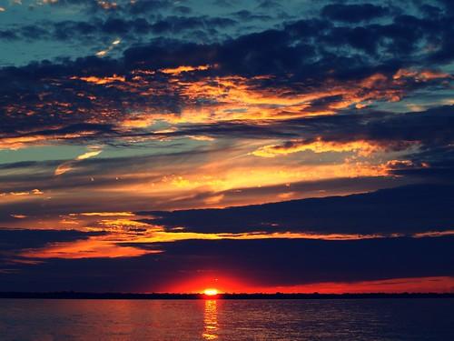 sunset ontario canada beach cloudy september sarnia lakehuron discoveront