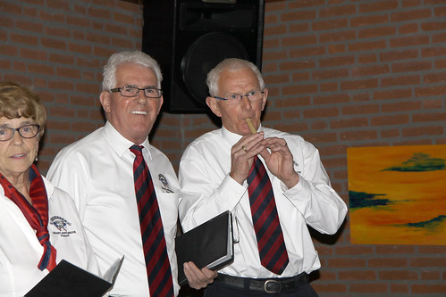 Piet Ansems blaast fluit