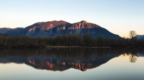borstlake reflection mtsi sunset calm mountain landsca nature water clear pacificnorthwest snoqualmie canoneos5dmarkiii bwnd8x johnwestrock canonef2470mmf28lusm washington