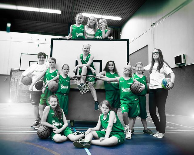 Teamfoto MU12 met sponsoren