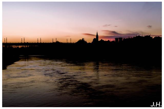 Crepuscule sur Port-sainte-foy (Sainte-foy-la-grande-33)