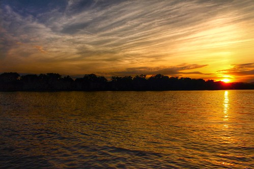 sunset sky sun reflection nature beautiful clouds river outdoor horizon faded mississippiriver riversidepark
