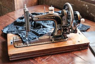 20150918-DSCF0168 Harris Family No 2 Sewing Machine Canons Ashby Northamptonshire.jpg | by rodtuk