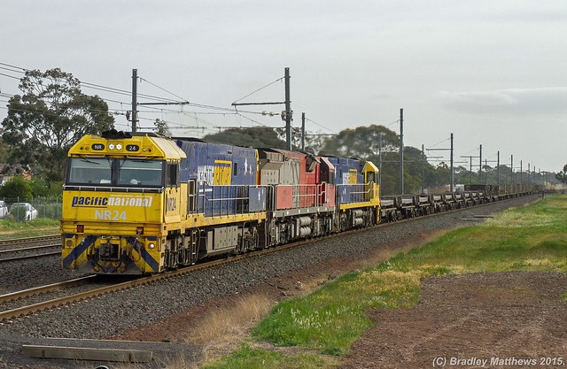 NR24-MRL006-NR8 with 2XM2 up PN steel goods, ex Port Augtsta at Hoppers Crossing (6/10/2015).