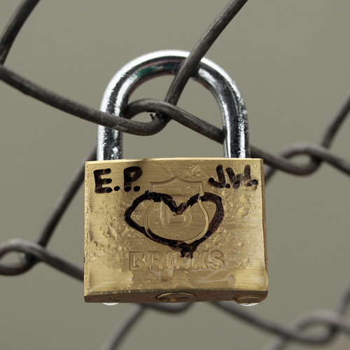 lock brinkslock love initials fencing fence rainy water 117picturesin2017 heart locks